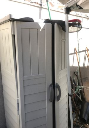 Suncast Plastic Outdoor Shed for Sale in Los Angeles, CA