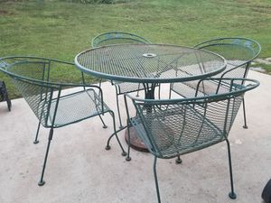 Patio table with 4 chairs for Sale in College Park, GA