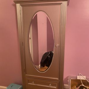 Cute gray closet/cabinet with drawers and a mirror!! for Sale in Hasbrouck Heights, NJ