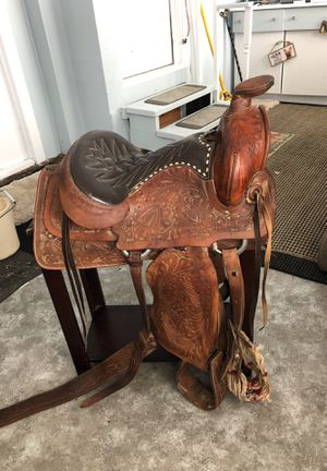 Used western saddle for Sale in Pickett, WI