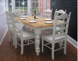 White and tan dining table set for Sale in Lake Hamilton, FL