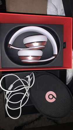 Beat solo wireless rose gold for Sale in Kent,  WA
