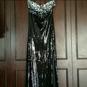 Black Sequin Gown Size 6 for Sale in Orange, CA