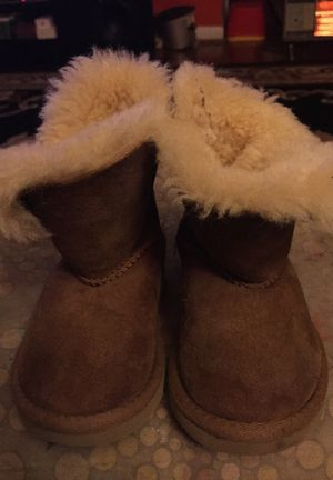 UGG Australia orijinales numero 6 for Sale in Gaithersburg, MD