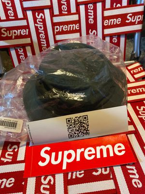 Supreme gore Tex crusher olive colorway FW20 medium/large for Sale in East Longmeadow, MA