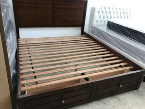 California King Size Bed for Sale in Los Angeles, CA