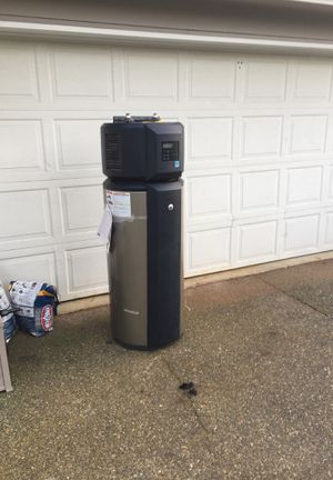 GE 50 gallon. Free.... electric...works hot water heater for Sale in Covington, WA
