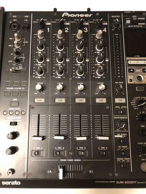 Pioneer dj cdj2000nxs djm900srt for Sale in Miami, FL