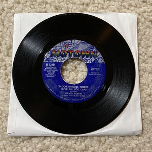 """David Ruffin """"Blood Donors Needed (Give All You Can)"""" vinyl 7"""" single 1972 Motown Records Original Pressing very nice copy 70s Funk for Sale in Laguna Niguel, CA"""