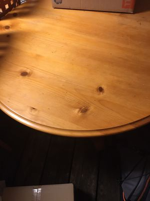 Wood table set dining room or kitchen for chairs used good condition for Sale in Kissimmee, FL