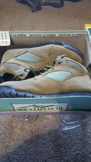 Women's size 7 Mtn Gear Boots for Sale in GOODLETTSVLLE, TN