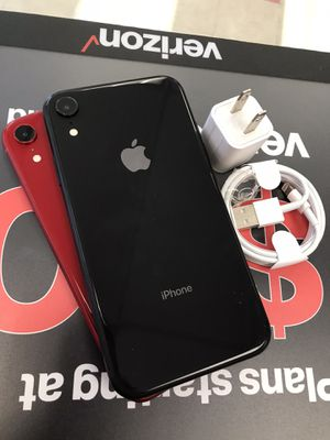 iPhone Xr 64gb Unlocked for Sale in Somerville, MA