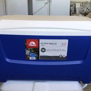 Igloo Island Breeze 48 Quart Cooler for Sale in Highland, CA