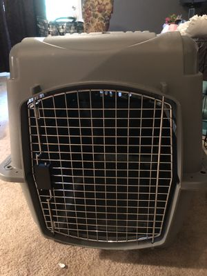 Medium size Vari dog kennel for Sale in Florence, KY