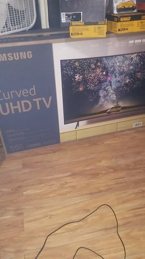 Curved tv for Sale in Rock Island, IL