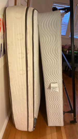 Queen size mattress box and bed frame for Sale in Berkeley, CA