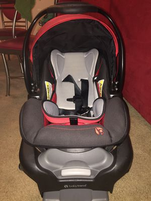 Baby Trend Red & Black car seat for Sale in Newport News, VA