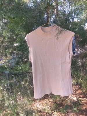 Woman's Size Medium Sleeveless Shirt for Sale in McRae, GA