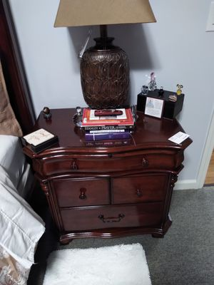 Queen size BED and NIGHT STAND for Sale in Whitehall, OH