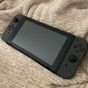 grey/black nintendo switch for Sale in Beverly Hills, CA