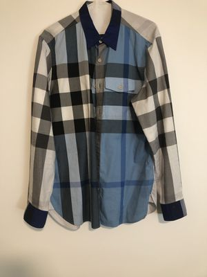 Burberry Button up shirt Lg for Sale in Miami, FL