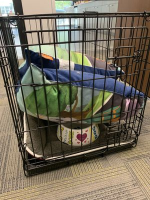 Dog kennel with pillows and bowl for Sale in Wichita, KS