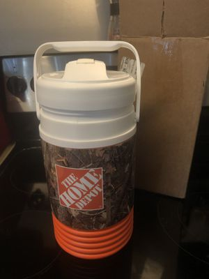 Home Depot Igloo brand 1/2 gallon cooler for Sale in Pacifica, CA