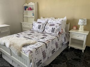 Beautiful all white full size bed set for Sale in Fontana, CA