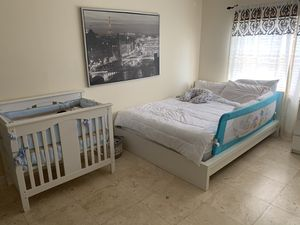 Queen size bed for Sale in Bal Harbour, FL