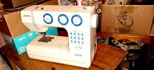 JANOME QS2250 SEWING MACHINE for Sale in McAlester, OK