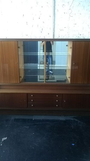 Antique curio cabinet for Sale in Chicago, IL