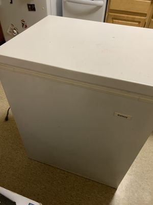 Deep freezer for Sale in Fall River, MA
