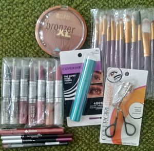 Makeup including makeup brushes for Sale in Parma, OH