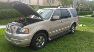2005 Ford Expedition limited for Sale in Miami, FL