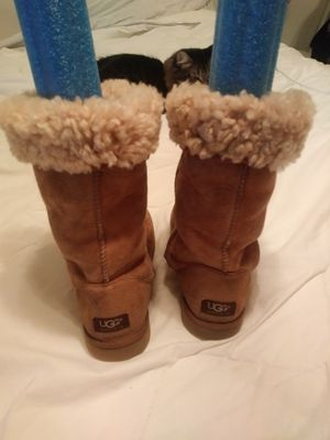 Boots, Uggs size W8 for Sale in St. Petersburg, FL