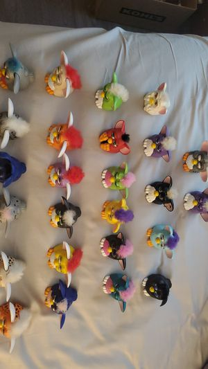 25 1998 MC DONALD'S FURBY TOYS for Sale in Lacey, WA