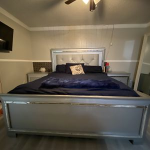 Bed Set 6 Pcs for Sale in Ontario, CA
