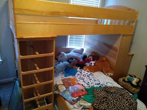 Top bunk loft bed with built in drawers and desk for Sale in Stone Mountain, GA
