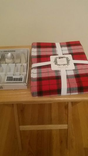 """SPECIAL HOLIDAY OFFER NEW 60"""" TABLECLOTH AND 20 PIECE SILVERWARE SET/SEPARATE $20 for Sale in Queens, NY"""