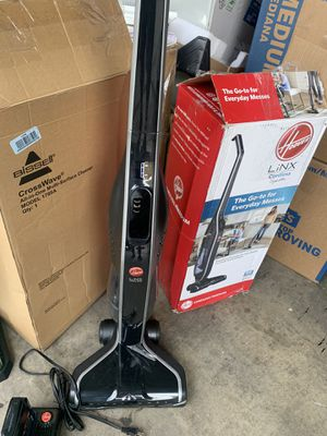 Hoover Linx stick cordless vacuum open box excellent working condition battery and charger included in original box for Sale in Las Vegas, NV