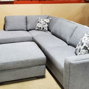 Grey Sofa Sectional (NEW) for Sale in Wood Dale, IL