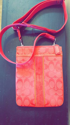 Real Coach Pink Messenger Bag for Sale in Columbus, OH