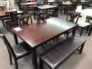 5 PC DINING TABLE SET for Sale in San Bernardino, CA