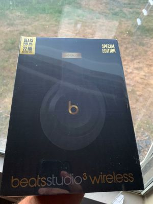 Beat studio 3 shadow grey wireless brand new headphones for Sale in Las Vegas, NV