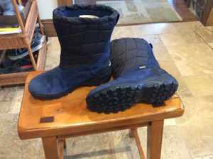 Merrell kids snow boots size 4.5 for Sale in Scotch Plains, NJ