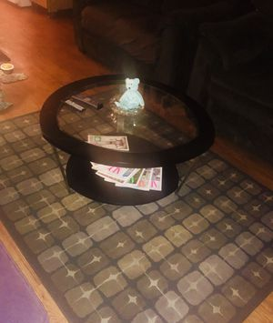 Selling 3 nice living room entertainment tables and carpet for Sale in Las Vegas, NV