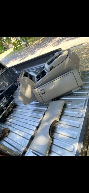 Center console for Sale in Arlington, TX