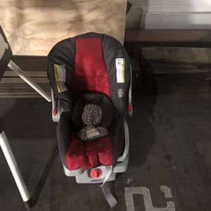 Car seat, high chair, and baby crib. for Sale in Berkeley, CA