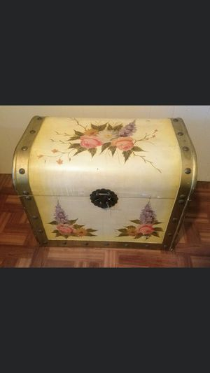 Wooden Floral Storage Chest for Sale in Lakeland, FL