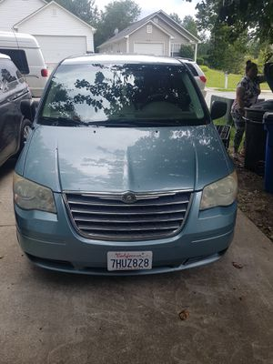 crysler town&country 2010 for Sale in Douglasville, GA